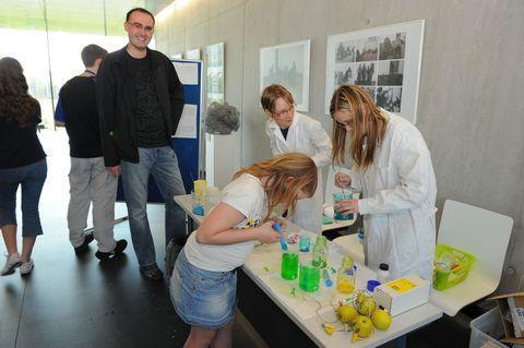 Večer s vědou a chemií (duben 2011)